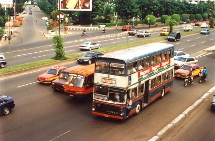 bus_tingkat_70